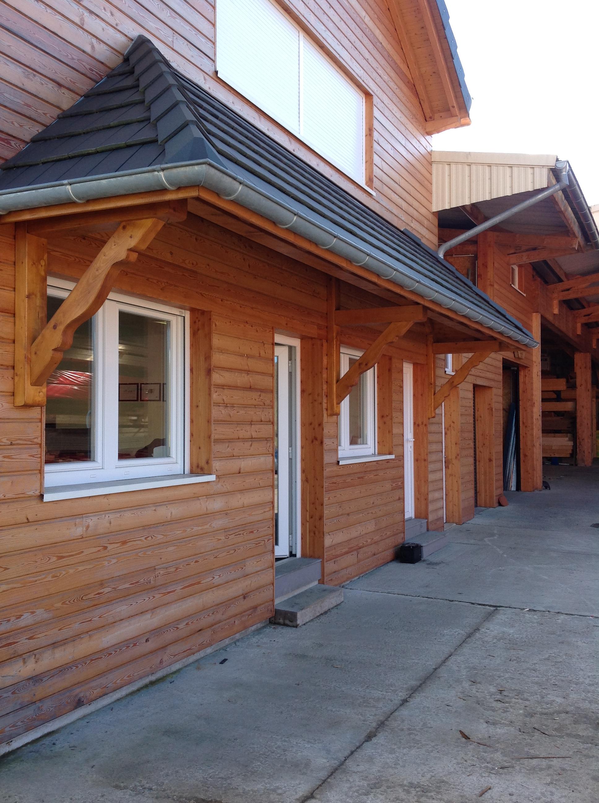 Marquise en bois - Auvent de porte de garage ...