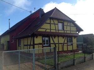 Face d'une rénovation de maison