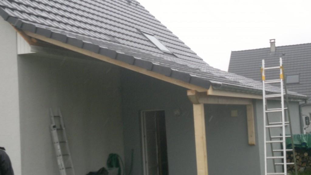 Pendant la construction appenti en bois.